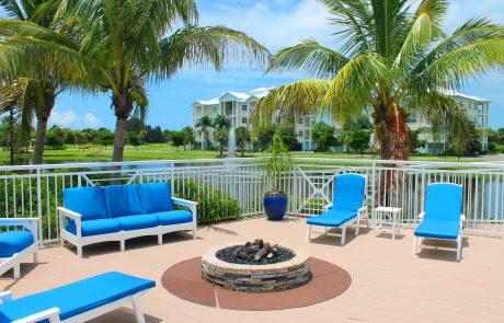 Resort amenities at Bradenton condominium.
