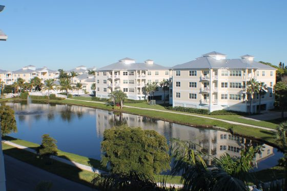 exterior of palma sola bay club condos - landscape views